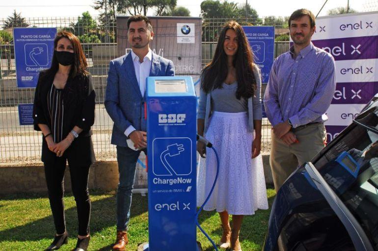 Bodegas San Francisco inaugura dos electrolineras gratuitas en alianza con y Enel X y BMWi
