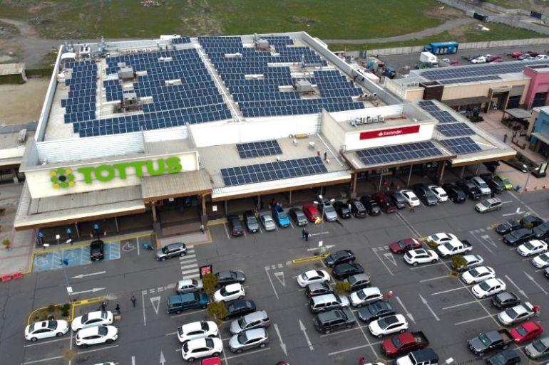 Instalarán más de 700 paneles solares en paseo comercial Centro Nuevo de Machalí