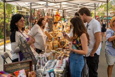 Emprendedores de Providencia se instalan en la feria ConstaneraPro con productos sustentables