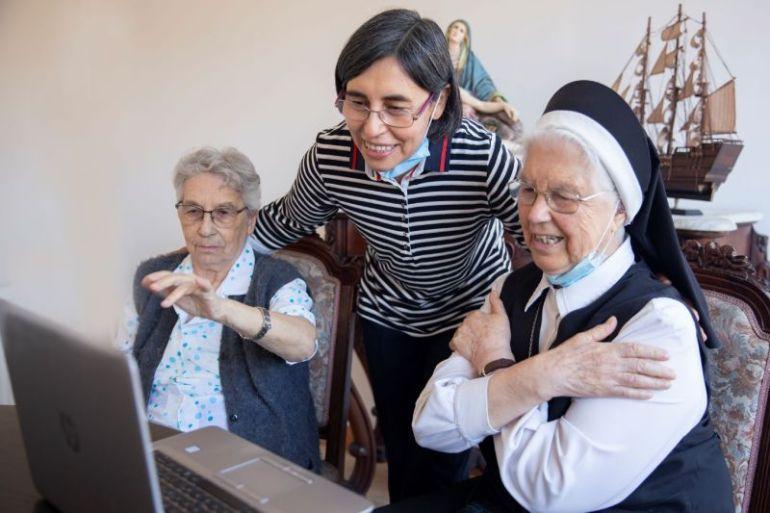 Mejorar la conectividad para los ELEAM y residencias permite que los mayores y personas con discapacidad sigan comunicados con sus familias