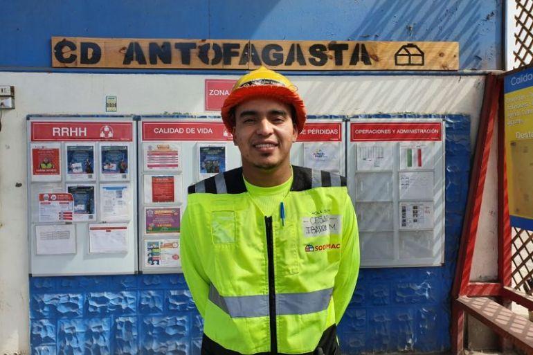 """César Ibarra, voluntario Centro de Distribución Antofagasta de Sodimac: """"El voluntariado es una oportunidad para afiatar lazos con los compañeros de trabajo y conocer las problemáticas de la comunidad"""""""