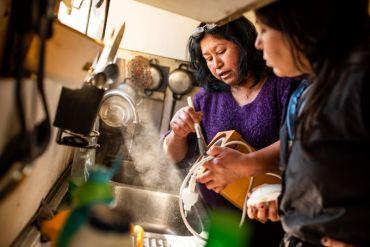 ¿Harina de cochayuyo?: iniciativa reúne a mujeres emprendedoras de la Región de Los Ríos para desarrollar y comercializar el producto