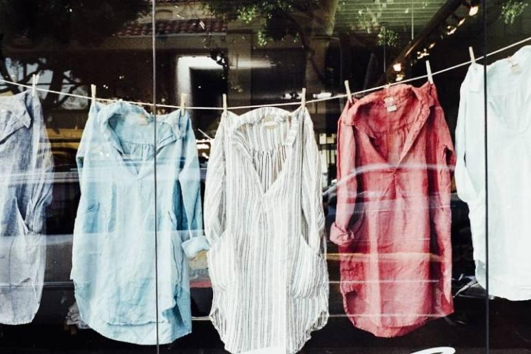 Etiquetas Conciencia Celeste: ¿Cómo saber si al elegir tu ropa cuidas el medio ambiente?
