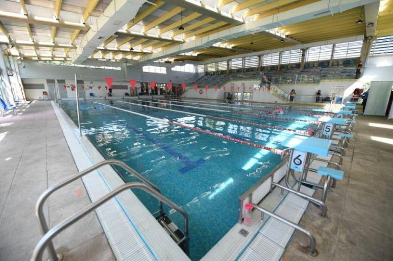 Plan energético transforma a piscina Municipal de Peñalolén en la primera fotovoltaica del país en alianza con Enel X y Agencia de Sostenibilidad y Energía