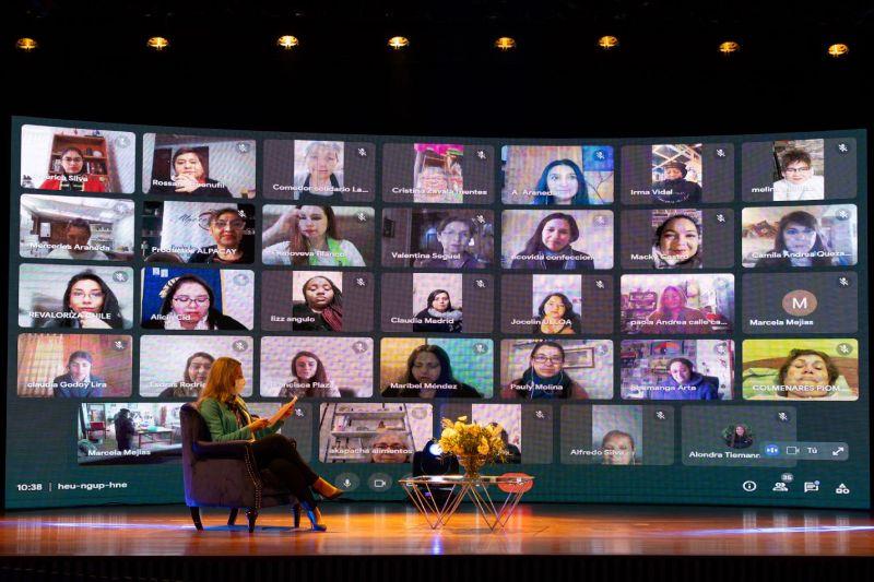"""35 mujeres emprendedoras y líderes de organizaciones sociales son destacadas por Banco de Chile con el reconocimiento """"Mujeres que Inspiran"""""""