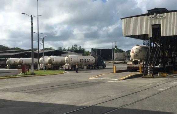 Pese a sabotaje, Recope reanuda abastecimiento en Moín con el apoyo de la fuerza pública