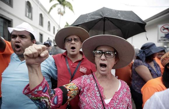 Gobierno acepta ofrecimiento de Conferencia Episcopal y CONARE para mediar en la huelga