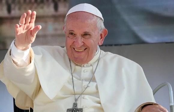 Papa pide que derechos humanos sean eje de acciones políticas de los Estados.