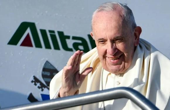 Papa Francisco llega a Panamá en plena sacudida por crisis en Venezuela