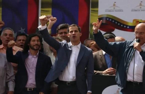 ULTIMAS NOTICIAS: Juan Guaidó se juramentó como presidente encargado de Venezuela