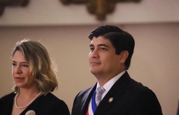 Denuncian a presidente Carlos Alvarado por supuesto prevaricato