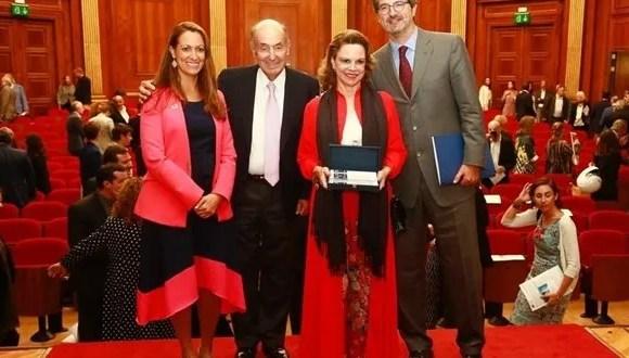 Roca Junyent premia a Christiana Figueres por defender el medio ambiente desde el derecho