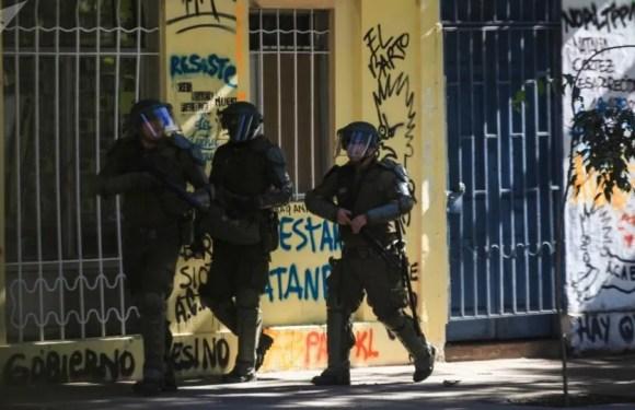 """La Policía en Chile actúa """"con intención de dañar y castigar"""" a manifestantes"""