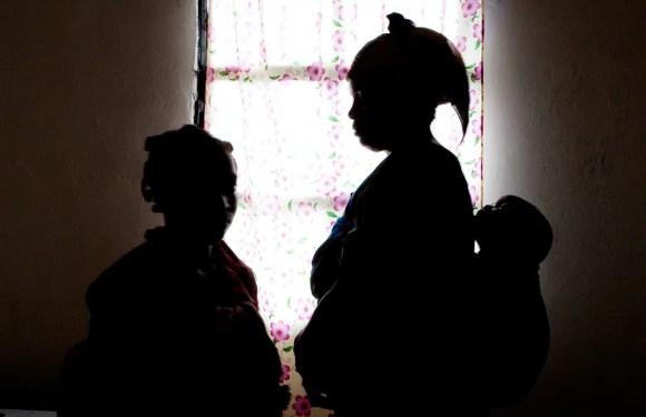Prisión preventiva para dos sospechosos de explotar sexualmente a mujeres en Limón