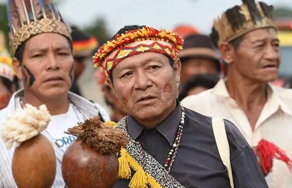 """Bolsonaro """"contribuye a la violencia contra los pueblos indígenas"""""""