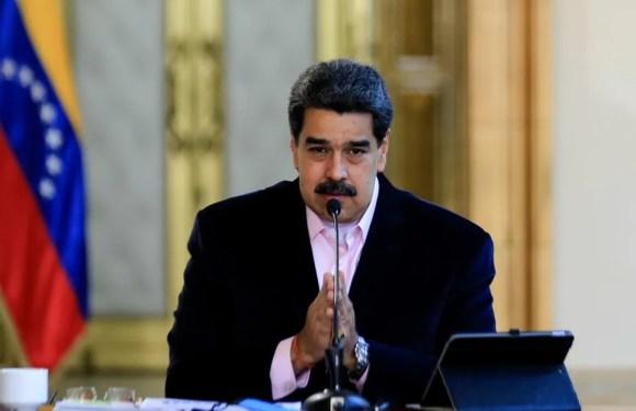 """Maduro anuncia que moverá piezas de artillería para estar preparado """"para el combate por la paz"""""""