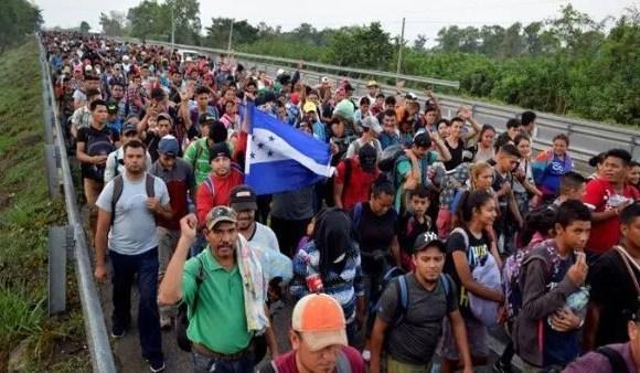 Nueva caravana de migrantes hondureños parte rumbo a Estados Unidos