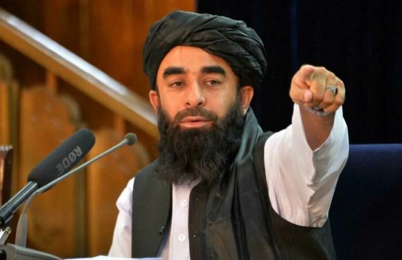 Talibanes preparan la presentación del nuevo gobierno en Afganistán.