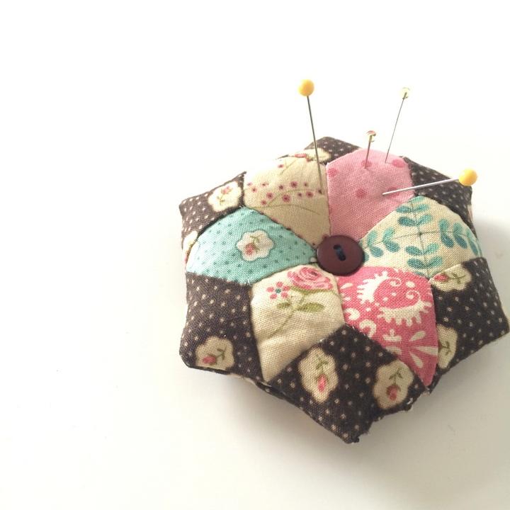 handmade-diamond-pin-cushion
