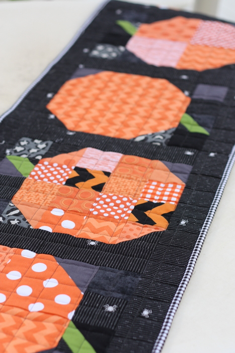 patchwork-pumpkin-table-runner-tutorial