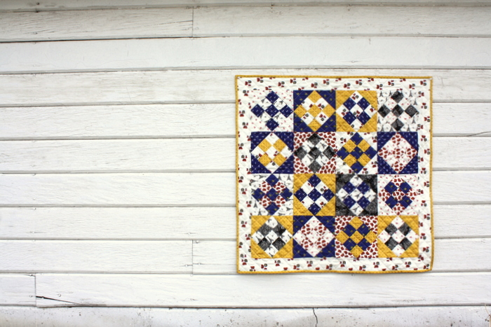 mini nine patch quilt