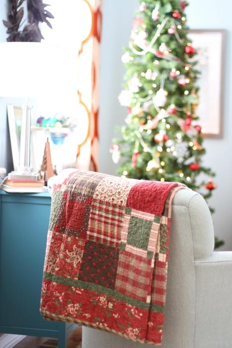 moda Mistletoe Manor quilt