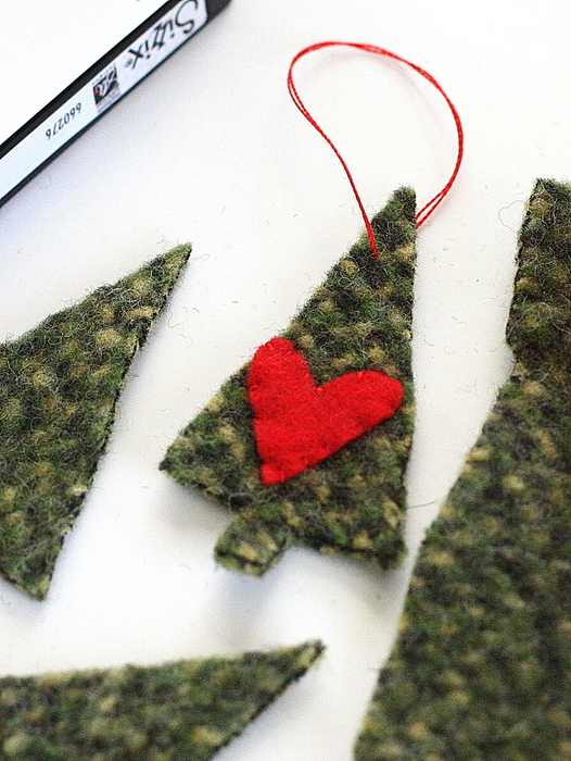 recycled-wool-christmas-tree-ornament