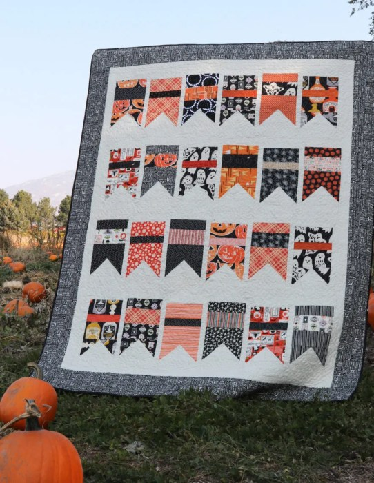 Halloween quilt made using Amy Smart Summer Bunting quilt pattern