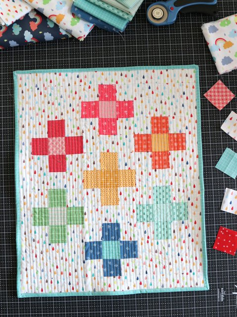 Positively Plus Mini Quilt And Crib Quilt Tutorial Diary Of A Quilter A Quilt Blog