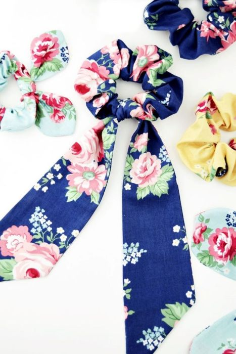 Free Scrunchie pattern by Apple Green Junction featuring Notting Hill fabric