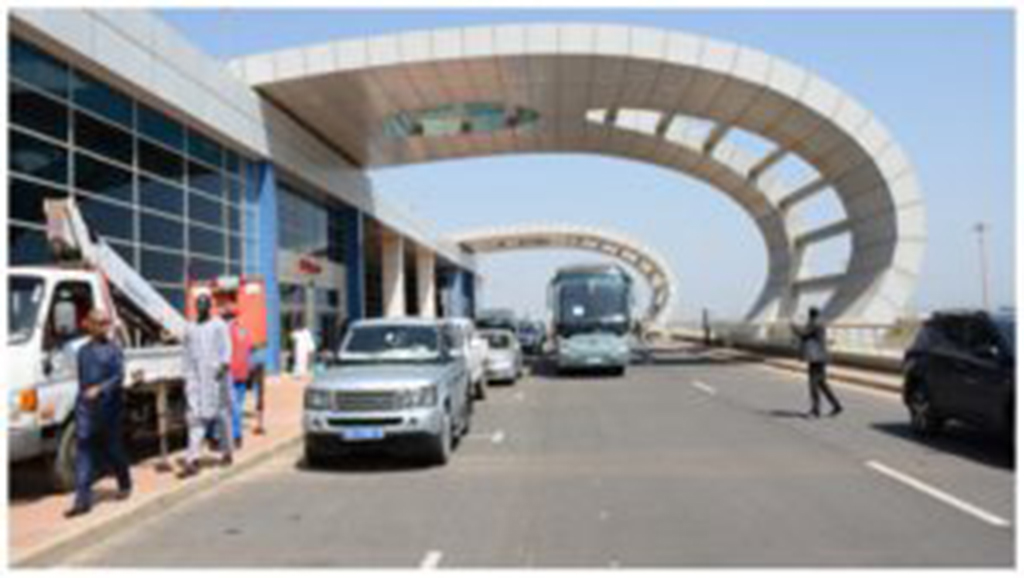 Scandale à l'Aéroport de Diass: La direction veut faire payer un droit de stationnement aux policiers et douaniers, ces derniers refusent