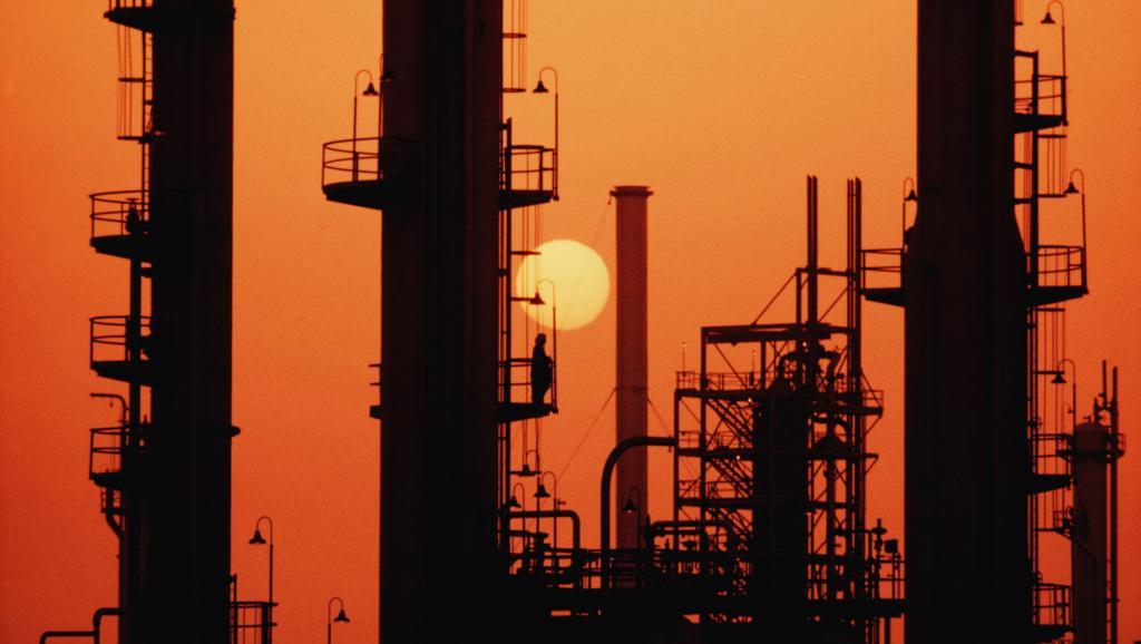Le marché noir du pétrole rapporte gros