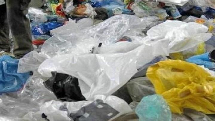 Les sachets en plastique toujours en abondance sur le marché malgré la loi en vigueur.