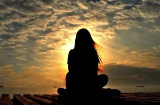 As diferenças entre oração e meditação