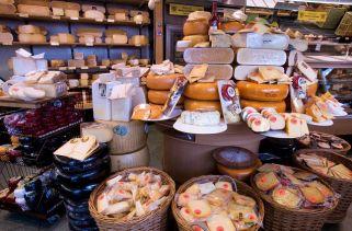 Alemanha, Holanda e França exportaram mais de US $ 3 bilhões em queijo em 2015.