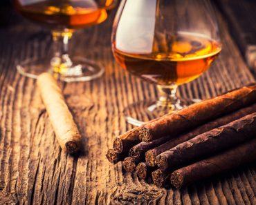 Como a nicotina age como estimulante e depressivo?