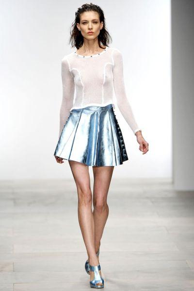 Resultado de imagem para roupas metalizadas