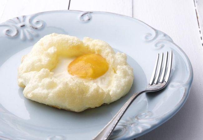 como fazer ovos em nuvem