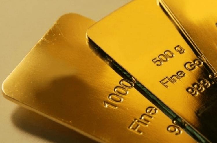 Dolar AS Menguat Membuat Harga Emas Terus Terlibas