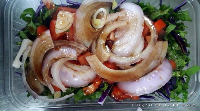 nar ekşili mevsim salatası