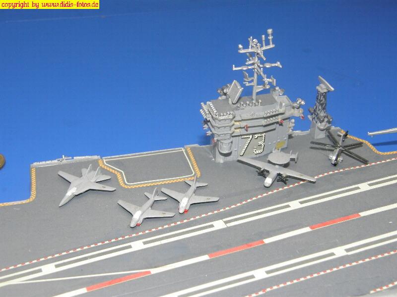 "US-Flugzeugträger CVN-73 USS ""George Washington"" der Nimitz-Klasse (Revell 7068) 1:700"