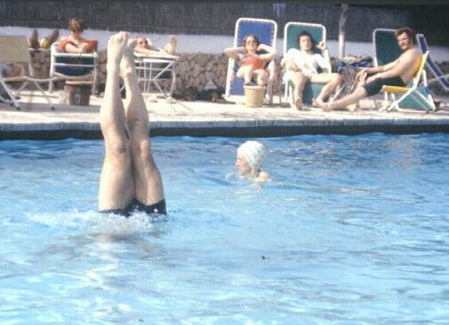 Mallorca 1975 Kegeltour ich beim Handstand