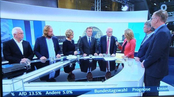 AfD zweistellig im Bundestag