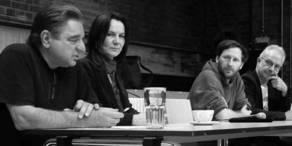 Vorsitzende der AnStifter Ebbe Kögel, Dr. Annette Ohme-Reinicke, Sea-Watch Ruben Neugebauer, Kapitän Friedhold Ulonska (v. l. n. r.)