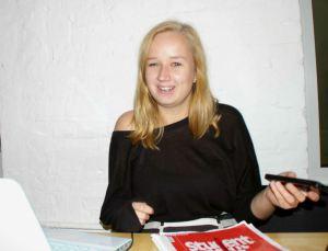 Carolin Strehmel ist Studierende der FU Berlin und Weltverbesserin bei Über den Tellerrand kochen.