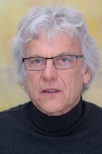 Bild von Gernot Wolfgang, der sich als 1. Vorsitzender von Lebensraum für alle e.V. für Barrierefreiheit und Nullschwellen einsetzt
