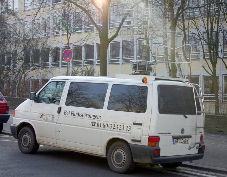 Der Einsatzwagen der Bundesnetzagentur - die 3 Mal die 23 als Rufnummer (alles nur Zufall??)