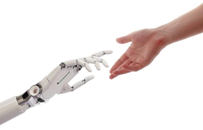 Pflegekräfte müssen körperlich entlastet werden - Roboter soll dabei helfen
