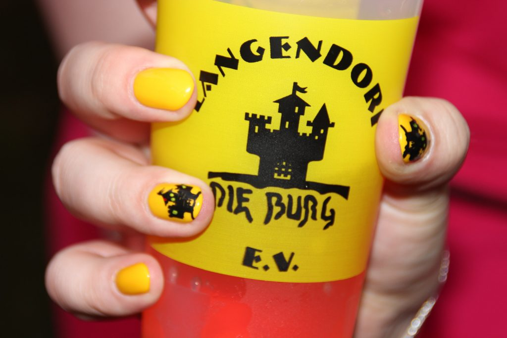 Burg-Nageldesign