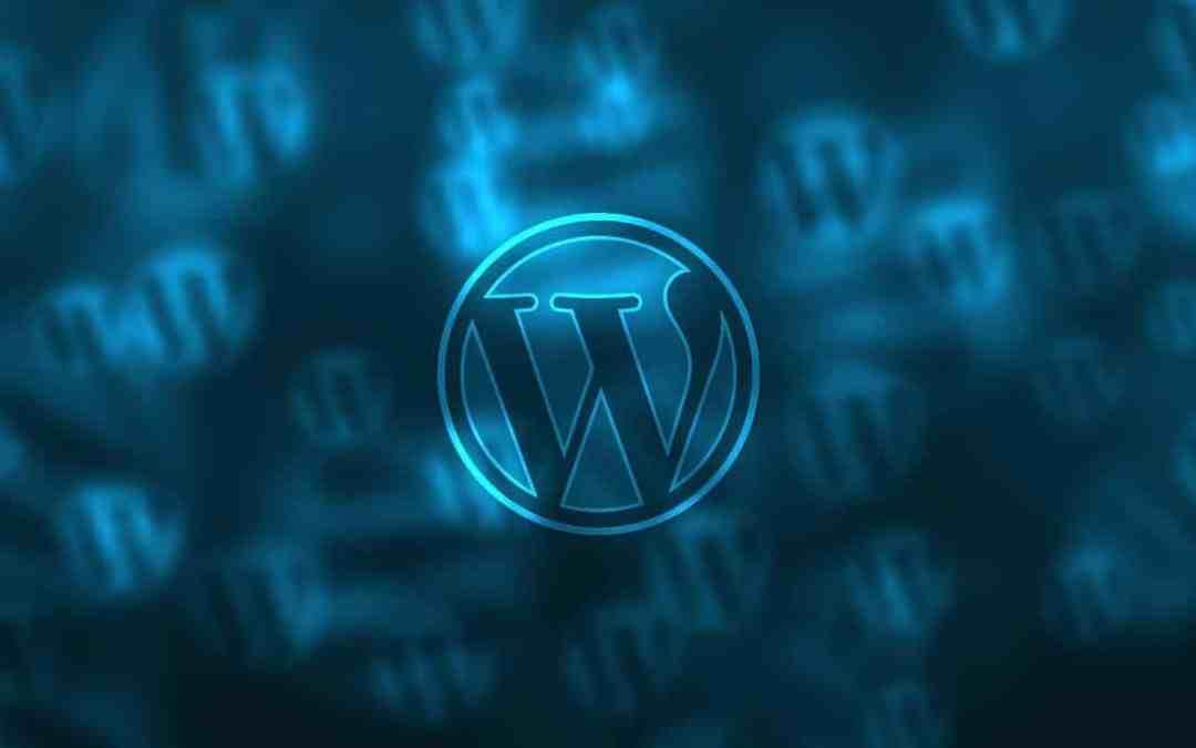 logo de wordpress en fondo azul con más logos de fondo para seo para wordpress